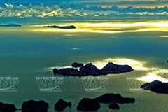 Photographer depicts beauty of Vietnam's sea, islands