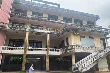 Trụ sở bỏ hoang trên khu đất vàng Hà Tĩnh đấu giá hàng chục tỷ đồng