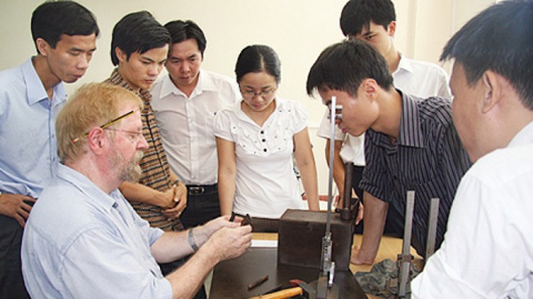 Over 100,000 foreign nationals currently working in Vietnam