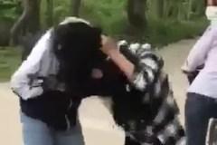 Nữ sinh Ninh Bình đánh nhau dữ dội trên đường làng