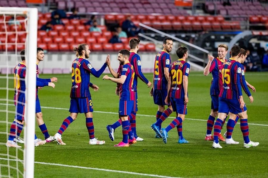 Messi nhảy tango, Barca đua gắt với Atletico và Real