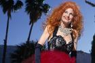 Cuộc đời của vũ nữ thoát y mua bảo hiểm vòng 1 giá... 1 triệu USD