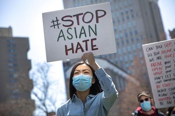 Mỹ thông qua luật chống tội ác hận thù nhằm vào người gốc Á