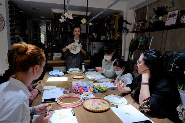 Russian designer,modern embroidery