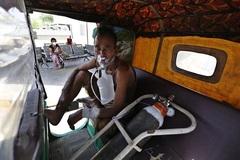 Hệ thống y tế Ấn Độ sụp đổ, Nhật Bản ban bố tình trạng khẩn cấp
