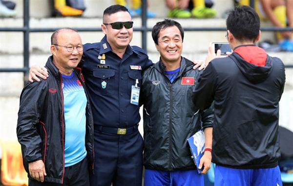 Thai footballlegend tips HAGL boss to replace coach Park