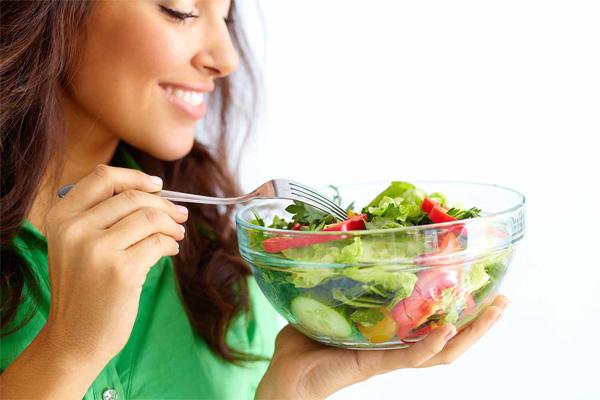 Thời điểm ăn tối để khỏe mạnh và không tăng cân