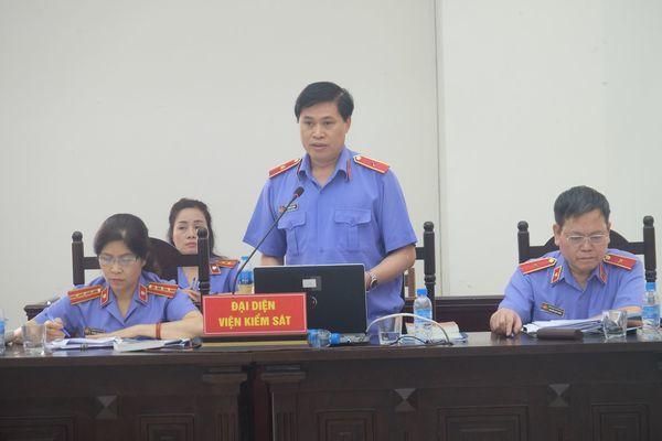 Cựu Bộ trưởng Vũ Huy Hoàng bị đề nghị phạt 10-11 năm tù
