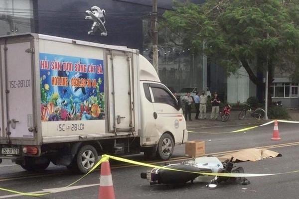 Va chạm với xe tải, cụ ông 81 tuổi tử vong