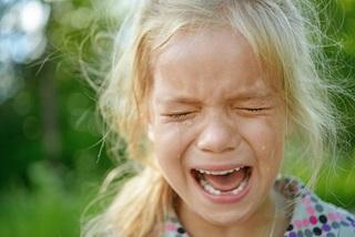 Tại sao nước mắt của con người lại có vị mặn?