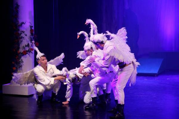 Nhạc kịch 'Bầy chim thiên nga' đề cao tình cảm gia đình