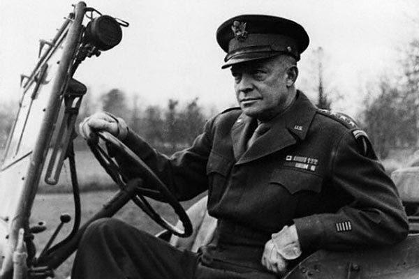 Cú lừa ngoạn mục của trùm phát xít Goebbels  với tướng Mỹ