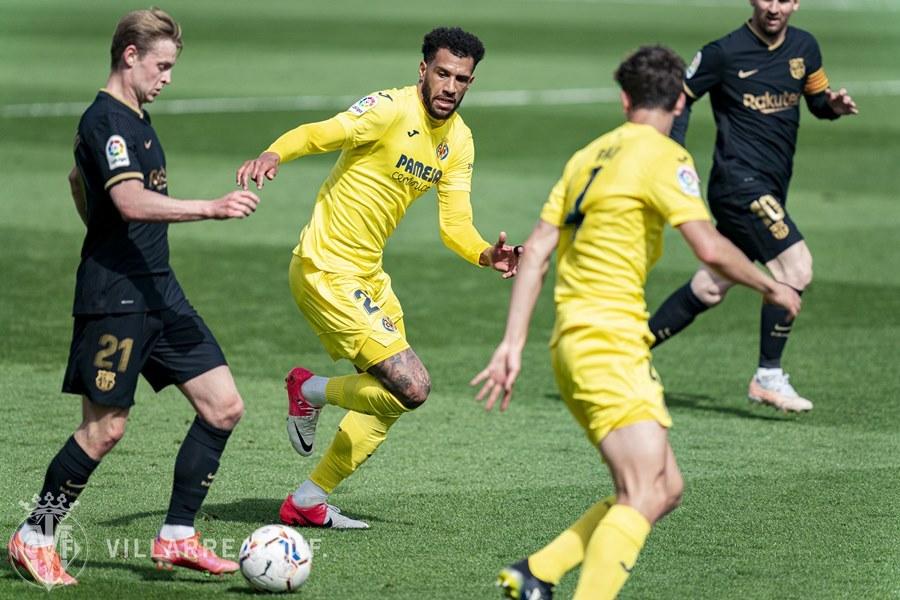 Griezmann che mờ Messi, Barca bắn hạ 'Tàu ngầm vàng'