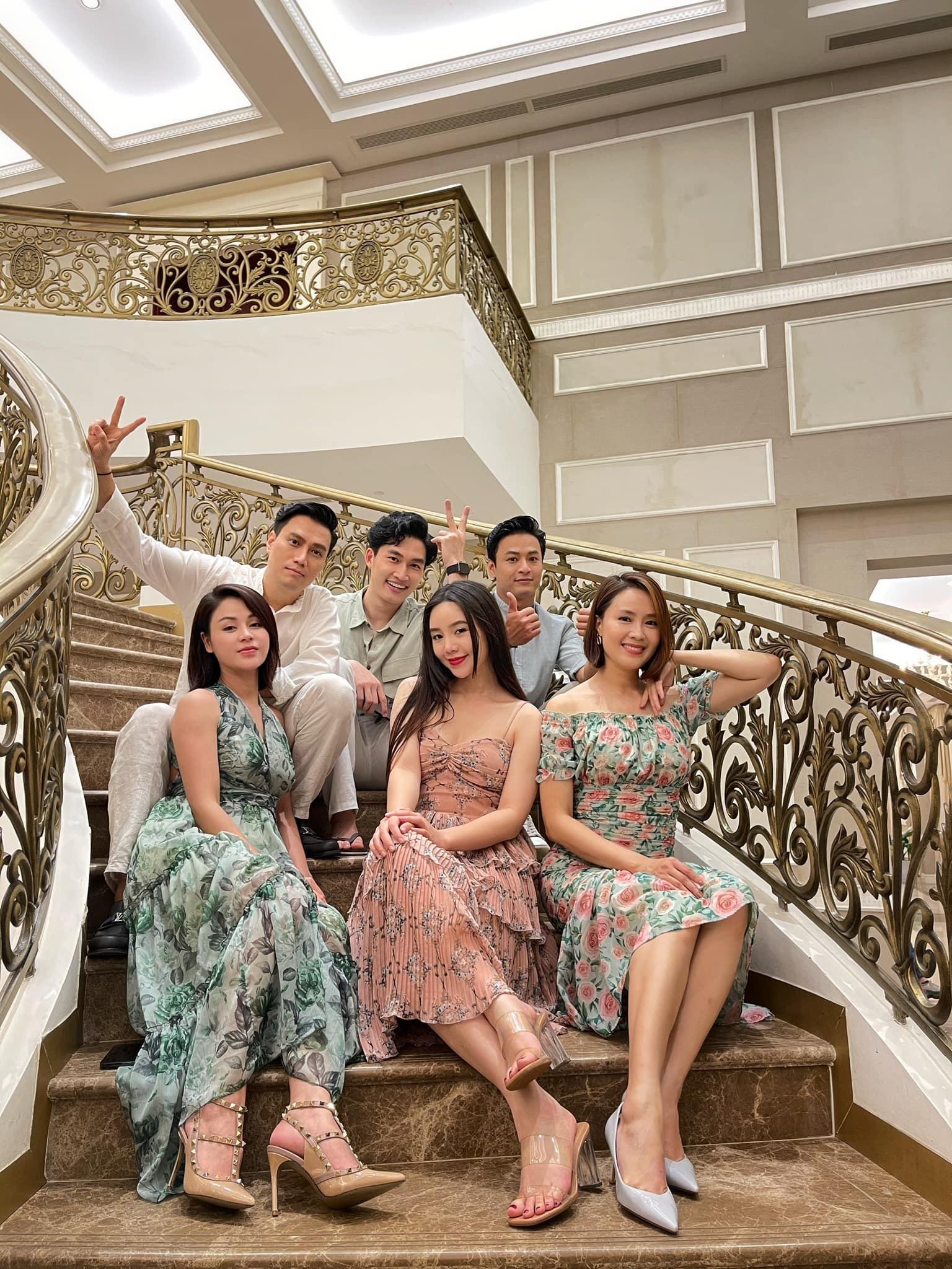 Hồng Diễm, Việt Anh chia tay phim 'Hướng dương ngược nắng'