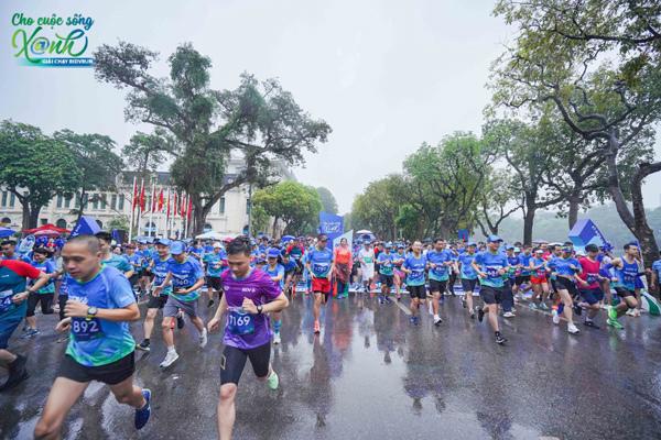 Hơn 1.000 VĐV chạy vì 'cuộc sống xanh'