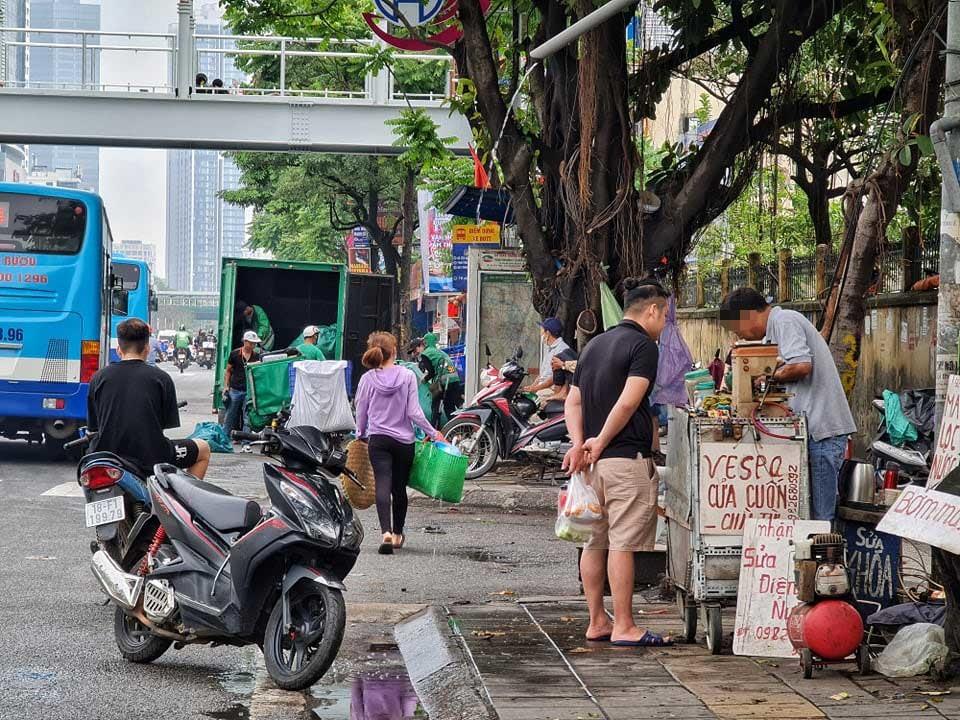 Người dân Hà Nội phần đông quên 5K khi ra phố