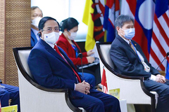 Thủ tướng dự hội nghị ASEAN: Khẳng định đường lối đối ngoại của Đại hội 13