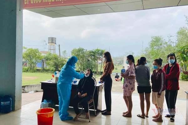 Ba tài xế Quảng Trị tiếp xúc với ca Covid-19 ở Lào âm tính lần 1