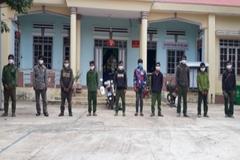 Đi hái lan lạc sang Campuchia, 12 người ở Đắk Lắk phải cách ly