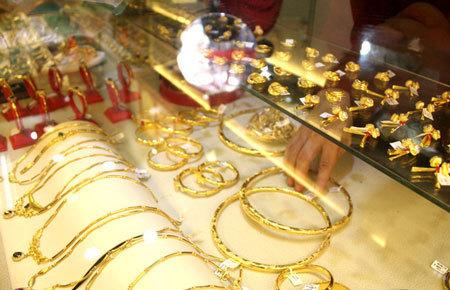 Giá vàng hôm nay 2/6: Hướng tới ngưỡng 58 triệu đồng