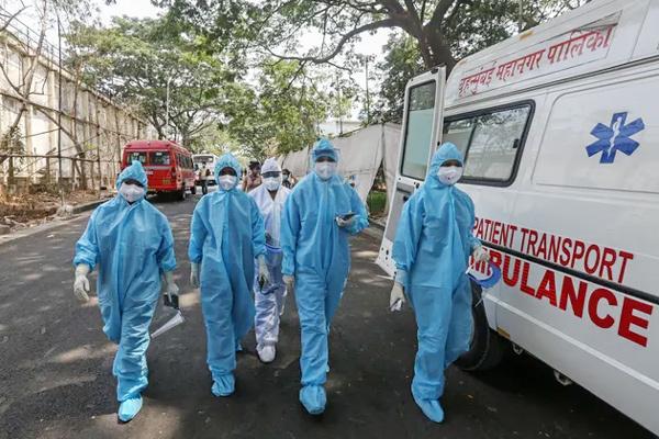 Ấn Độ cạn kiệt vắc xin Covid-19