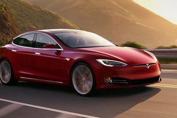 Quý I, Tesla Model 3 là sedan hạng sang bán chạy nhất thế giới