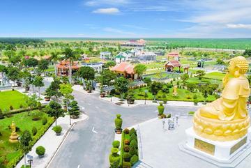 MC Nguyễn Cao Kỳ Duyên ấn tượng với Hoa Viên Bình An