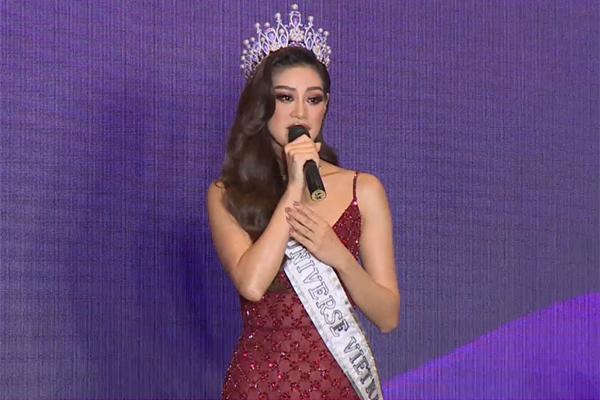 Hoa hậu Khánh Vân bật khóc giữa họp báo