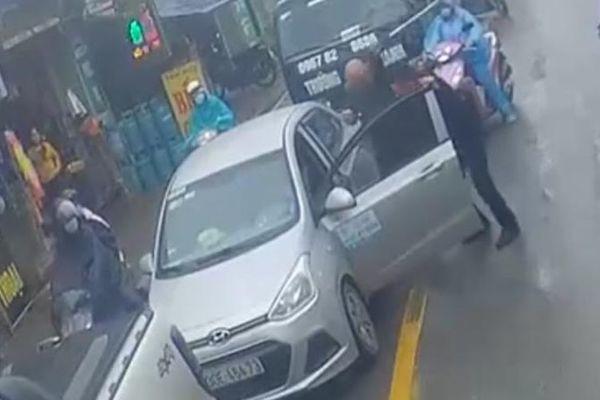 Công an thông tin vụ tài xế Ford Ranger đánh lái xe Hyundai i10 ở Hà Nội