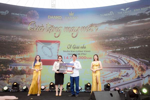 Quang Lê mong làm 'hàng xóm' cư dân dự án 'giao lộ vàng' Danko City