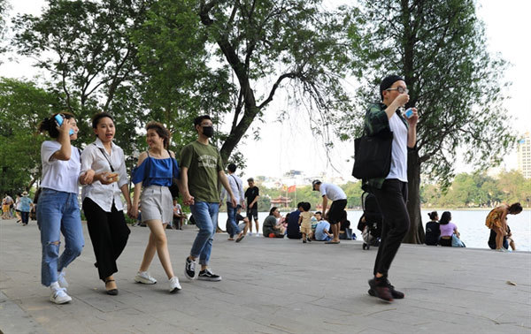 Walking street, fireworks, festivals to be halted in Hanoi over virus fears