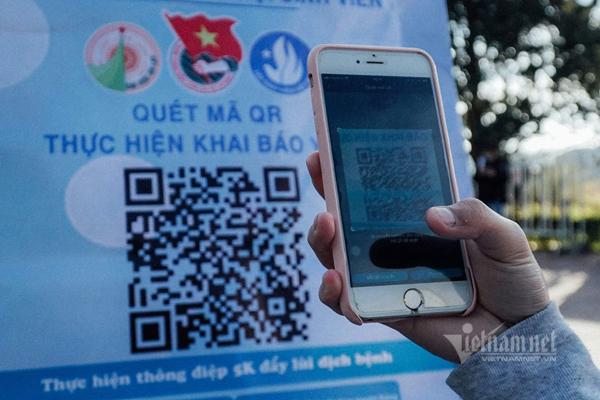 Người về Hà Nội sau nghỉ lễ phải khai báo bằng QR Code
