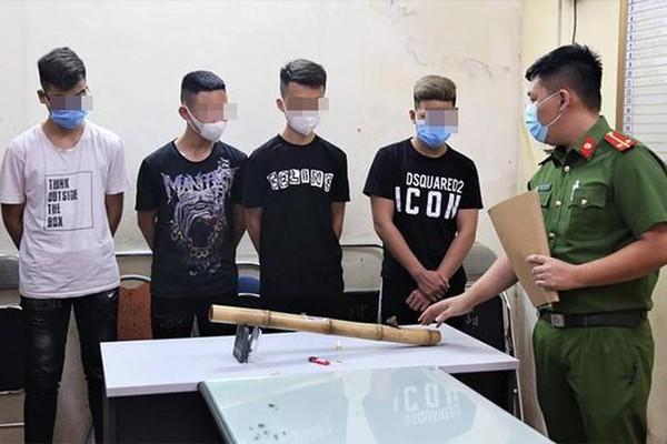 4 học sinh tẩm ma túy vào thuốc lào, hút ngay tại cổng bệnh viện ở Hải Dương