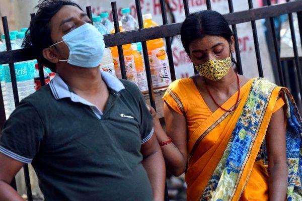 'Địa chấn' Covid-19 ở Ấn Độ rung lắc thế giới như thế nào?