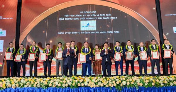 Đất Xanh Miền Nam vào top 10 công ty BĐS Việt Nam uy tín năm 2021