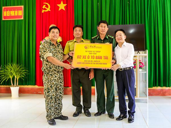 T&T Group theo đoàn công tác tỉnh Cà Mau thăm chiến sĩ đảo Hòn Khoai