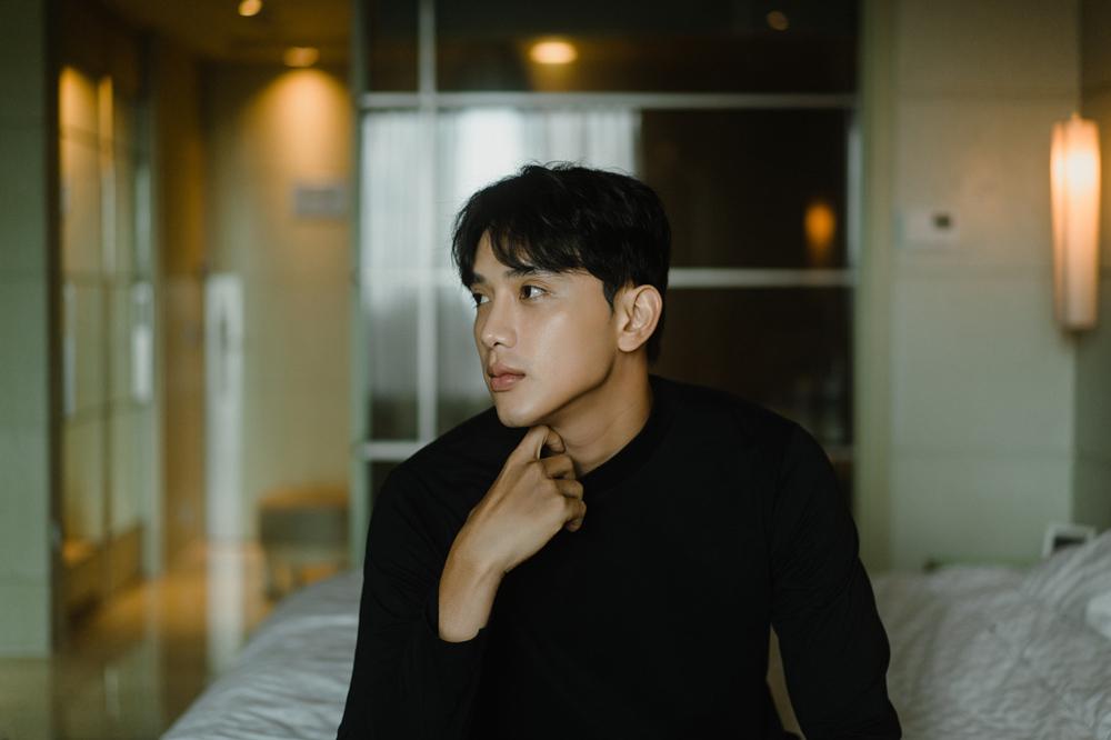 Vẻ điển trai của diễn viên 1m88 Thuận Nguyễn