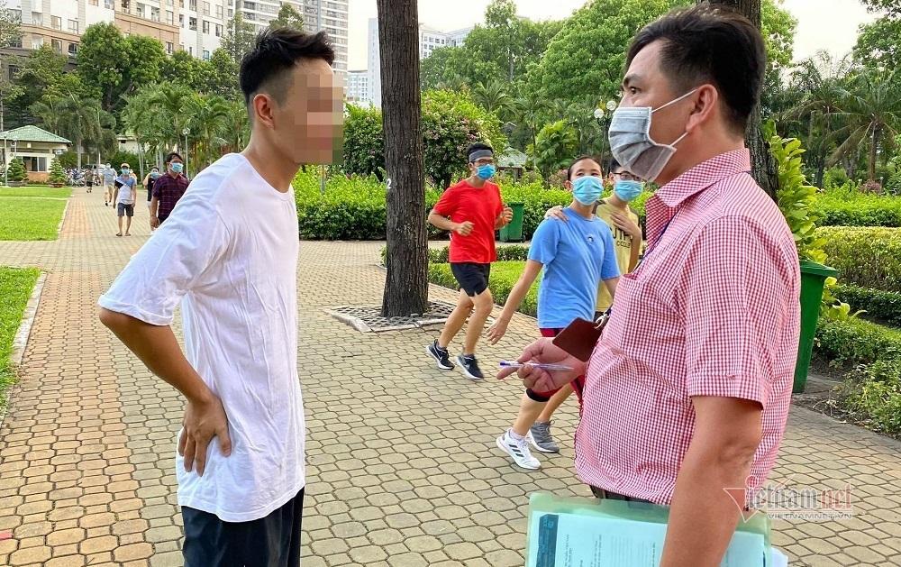 Không đeo khẩu trang phòng dịch khi chạy thể dục, nam sinh bị phạt 1,5 triệu
