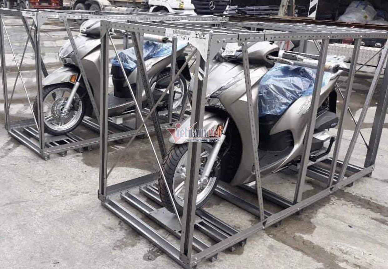 Honda SH 350i về Việt Nam, dân buôn rao giá hơn 360 triệu đồng