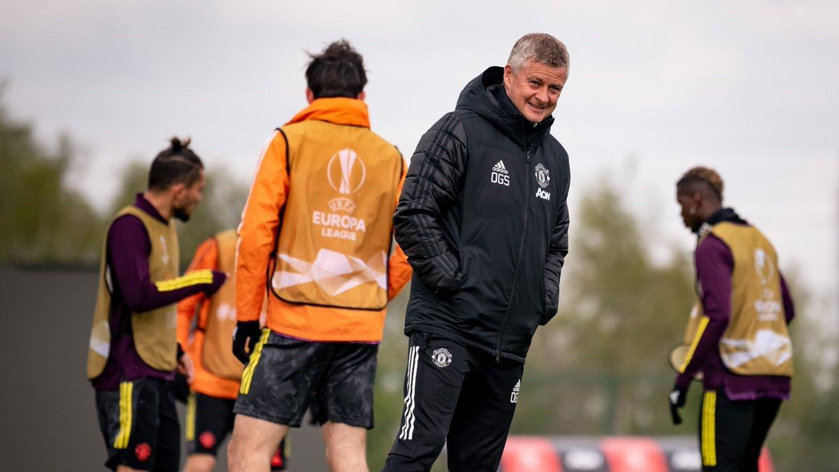 Sao Chelsea 'trù ẻo' MU bị loại khỏi Europa League