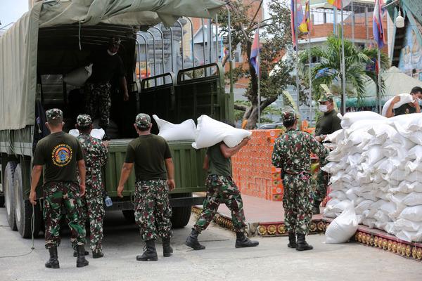 Campuchia triển khai binh sĩ phát thực phẩm cho dân vùng phong tỏa