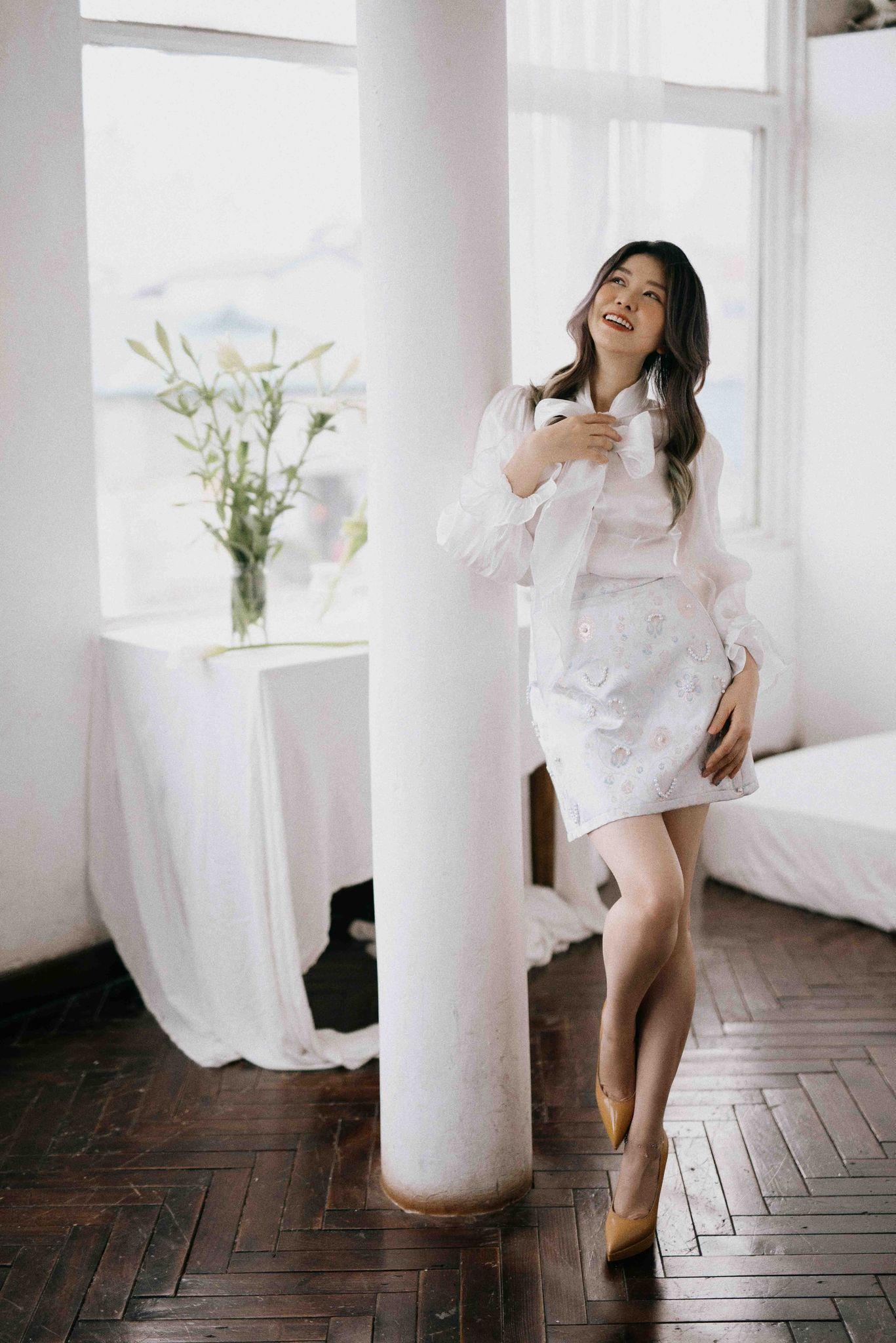 Nhà tạo mẫu tóc Minh Phương hóa 'nàng thơ' trong bộ ảnh mới
