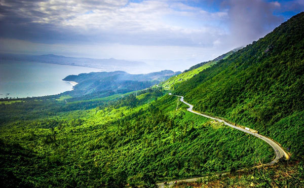 Hai Van Pass named among world's most beautiful drives