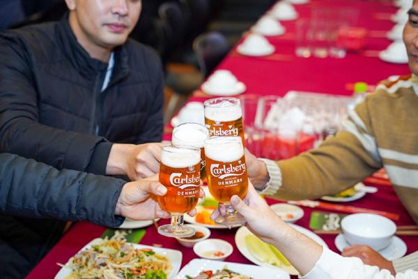 'Ly bia hảo hạng' - nâng tầm 'thưởng bia' cùng Carlsberg