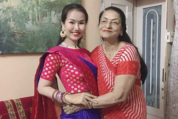 Võ Hạ Trâm lo lắng cho gia đình chồng giữa tâm dịch Ấn Độ