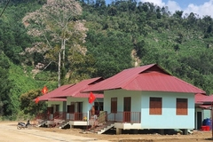 39 ngôi nhà mới trao cho người dân vùng sạt lở Trà Leng