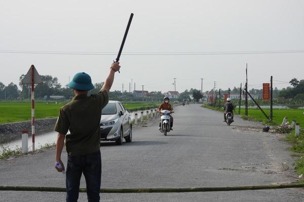 Tạm đình chỉ Giám đốc Trung tâm Y tế ở Hà Nam vì để dịch lây lan
