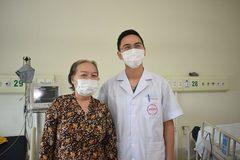 Ngày trở về của 2 bệnh nhân Covid-19 nặng cuối cùng của đợt dịch Hải Dương