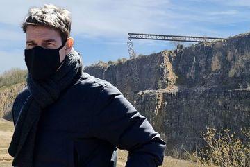 Tom Cruise gặp rắc rối khi quay cảnh tai nạn tàu hoả