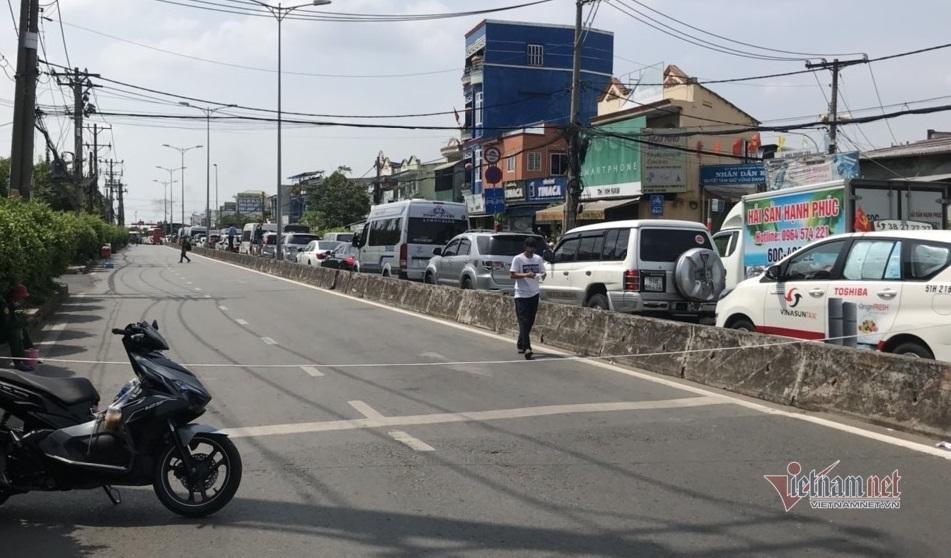 Cao tốc Long Thành, phà Cát Lái kẹt xe nghiêm trọng